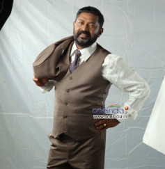 Lal in Malayalam Movie Kadhaveedu