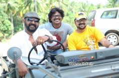 Lal, Kunchako Boban in Malayalam Movie Kadhaveedu