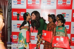 Pooja Chopra along with kids from project crayons