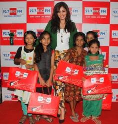 Pooja Chopra celebrates Diwali at 92.7 BIG FM