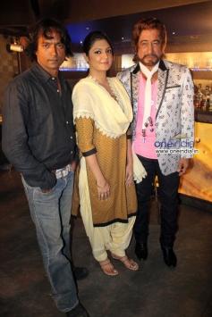 Prashant Narayan, Ashima Sharma and Shakti Kapoor during the shooting of film Mumbai Can Dance Saala