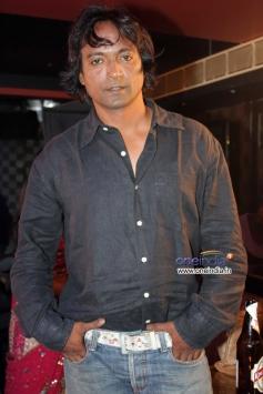 Prashant Narayan on location shoot of film Mumbai Can Dance Saala