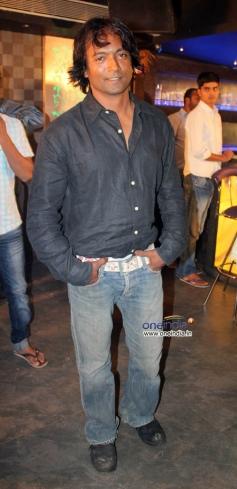 Prashant Narayan at on location shoot of film Mumbai Can Dance Saala