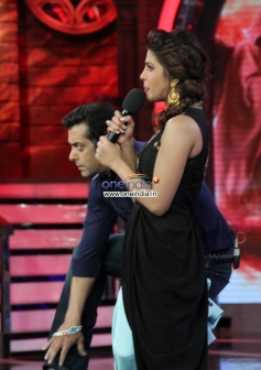 Priyanka Chopra along with Salman Khan on the sets of Bigg Boss 7