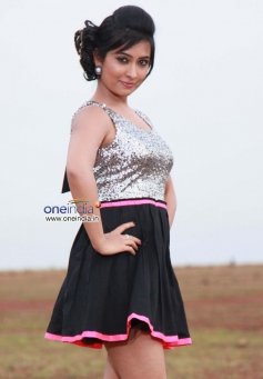 Radhika Pandit in Film Dilwala