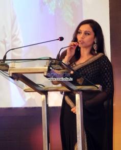 Rani Mukerji addressing media at the Yash Chopra Memorial Awards 2013