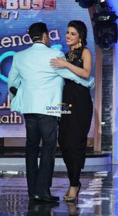 Salman Khan hugs Priyanka Chopra during her film Krrish 3 promotion
