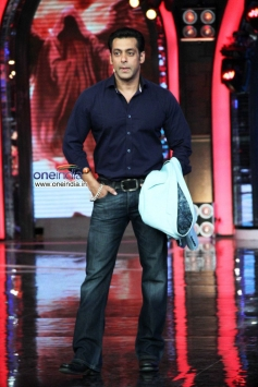 Salman Khan on the sets of Bigg Boss 7