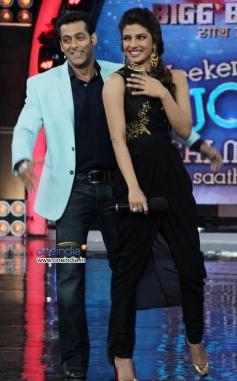 Salman Khan and Priyanka Chopra having fun during Krrish 3 film promotion