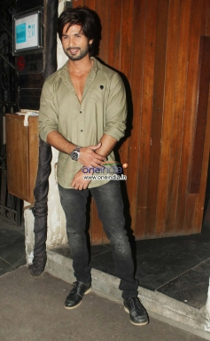 Shahid Kapoor snapped at the R Rajkumar film completion party