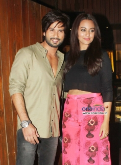 Shahid Kapoor and Sonakshi Sinha at the R Rajkumar film completion party