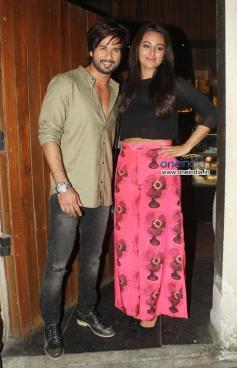 Shahid Kapoor and Sonakshi Sinha during the the R Rajkumar film completion party