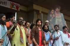 Shahid Kapoor at the entrance of R... Rajkumar film Trailer launch