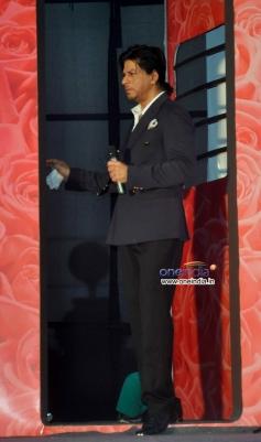 Shahrukh Khan arrive at LUX Chennai Express Contest Event