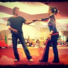 Shahrukh Khan and Madhuri Dixit dance rehearsels for Temptation Reloaded 2013