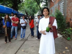 Shahrukh Khan was snapped sporting a Devdas look at Nokia Lumia ad shoot
