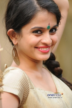 Sheena Shahabadi photoshoot for Navratri festival