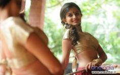 Sheena Shahabadi poses for the Shutterbugs