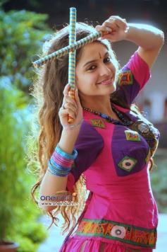 Sheena Shahabadi's festival photoshoot still