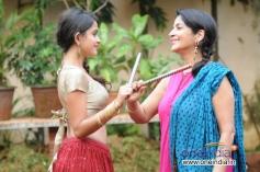 Sheena Shahabadi with her mother Sadhana Singh during photoshoot for Navratri festival