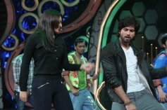 Sonakshi Sinha dance with Shahid Kapoor on Dance India Dance show sets