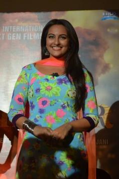 Sonakshi Sinha during the R... Rajkumar film Trailer launch