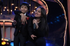 Sonakshi Sinha with DID show contestant during R... Rajkumar film promotion