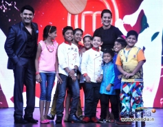 Sonakshi Sinha with Kapil Sharma and Junior MasterChef show contestants