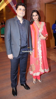 Sonali Bendre at Yash Chopra Memorial Awards 2013