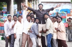Soori, Vishal and Vikranth still from film Pandiya Nadu