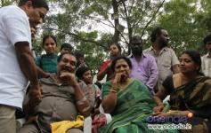 Jeevitha at Srihari's last rites at Bachupally