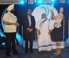 Sushmita Sen awarded Mother Teresa Memorial Award 2013