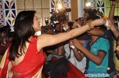 Sushmita Sen issue flowers after pooja during the Durga Pooja celebration 2013
