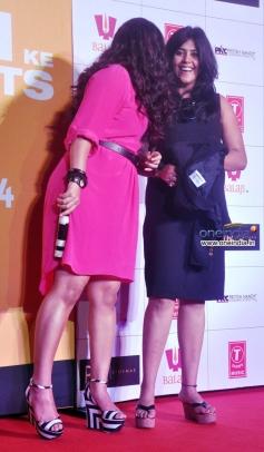 Vidya Balan and Ekta Kapoor at trailer launch of film Shaadi Ke Side Effects