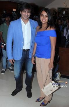 Vivek Oberoi along with his wife Priyanka Alva at Success party of film Grand Masti
