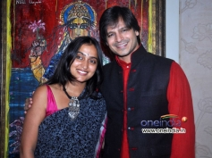Vivek Oberoi along with his wife Priyanka Alva celebrates Diwali