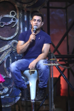 Aamir Khan addressing media at Dhoom 3 title song launch