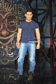 Aamir Khan at Dhoom 3 title song launch