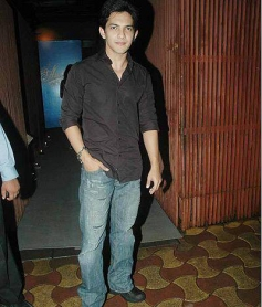 Aditya Narayan arrives to attend Jay Sean's private dinner