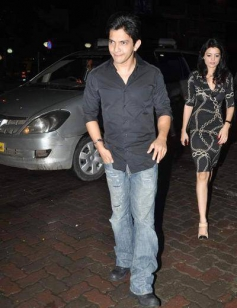Aditya Narayan snapped while arriving at Jay Sean's private dinner