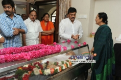 Celebs pay Homage to Producer Vadde Ramesh