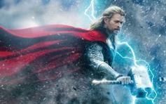 Chris Hemsworth still from film Thor The Dark World