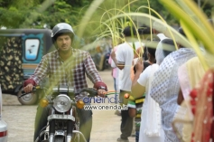 Dulquer Salmaan in Film Salala Mobiles