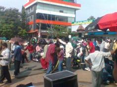 Duniya Vijay on the sets of Shivajinagara