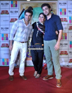 Gori Tere Pyaar Mein film starcast at R City Mall