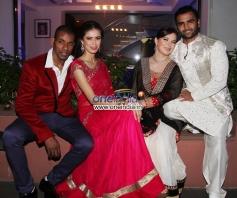 Harrison James, Sucheta Sharma, Urvashi Sharma aka Raina Joshi & Sachiin Joshi at their Diwali party