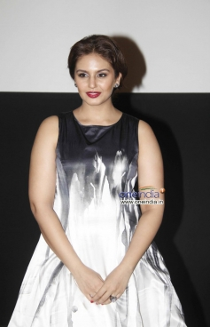 Huma Qureshi at Dedh Ishqiya theatrical trailer launch