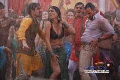 Jimmy Shergill, Mahi Gill and Saif Ali Khan still from film Bullet Raja