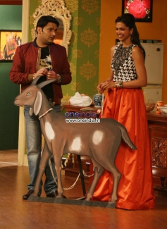 Kapil Sharma with Deepika Padukone during the Ram Leela film promotion
