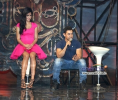 Katrina and Aamir during the film Dhoom 3 title track launch
